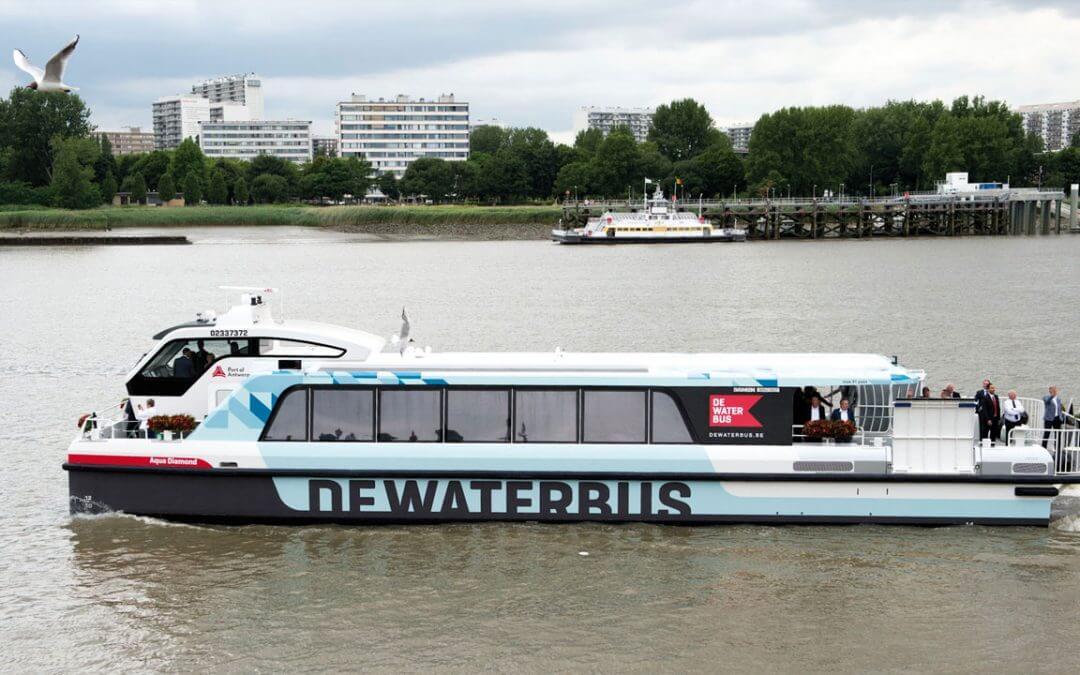 Kom met de waterbus naar de Kruibeekse Polders